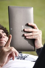 ASUS EEE PAD TRANSFORMER TF101 IN HAND BACK