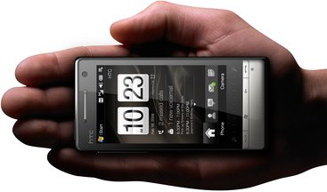HTC TOUCH DIAMOND2 IN HAND