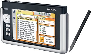 NOKIA 770 INTERNET TABLET FRONT ANGLED WITH STYLUS