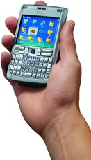 NOKIA E61 FRONT IN HAND