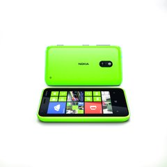 NOKIA LUMIA 620 LIME GREEN FRONT AND BACK