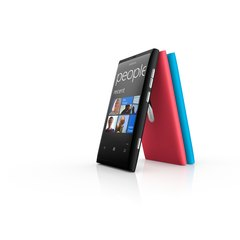 NOKIA LUMIA 800 GROUP UPRIGHT
