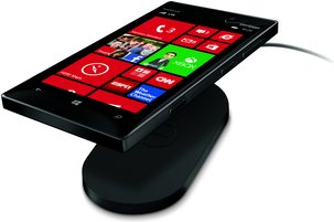 NOKIA LUMIA 928 BLACK WITH CHARGER WHITE