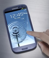 SAMSUNG GT-I9300 GALAXY S III FRONT ANGLE BLUE