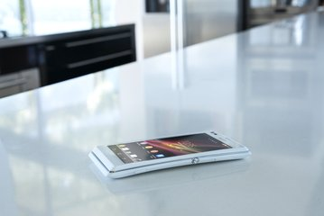 SONY XPERIA L ON DESK